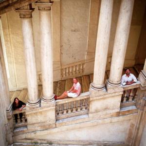 Students sitting on the balustrade at Palazzo Barberini